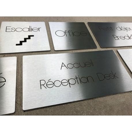 Signalétique d'hôtel - Plaques inox gravées au laser - Sur mesure