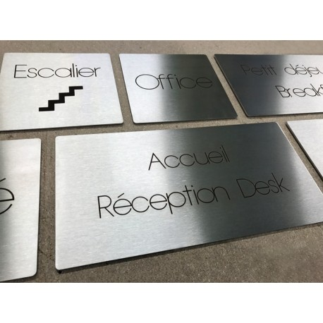 Signaletique d hotel plaques inox gravees au laser sur mesure for Plaque inox sur mesure