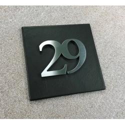 Plaque cuir 100x100 / 150x150 + Numéro assemblé ep4mm