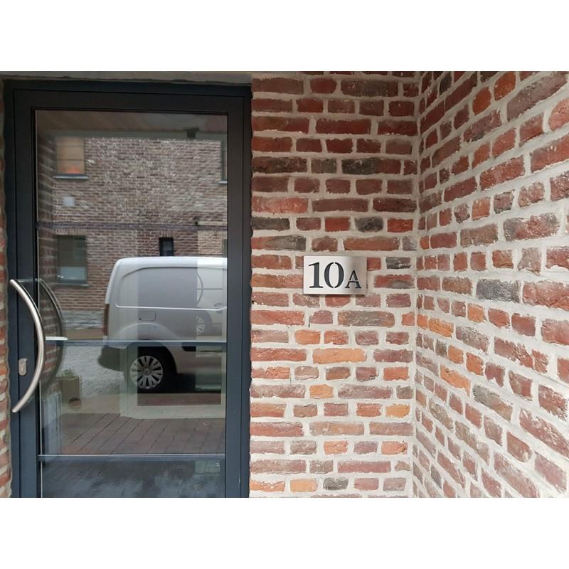 Plaque habitation inox brosse numeros alignes 176x176 ou for Plaque inox mur
