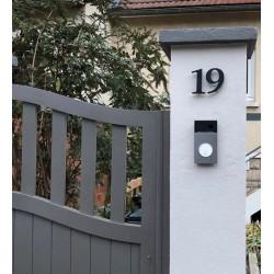 Design Stone serif - Chiffre inox brossé ep2mm avec peinture au four - Taille 5 / 8.5 ou 10cm