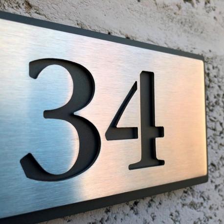 Plaque numéro inox - 153x82 - Fond inox avec peinture thermolaquée - Numéro au choix