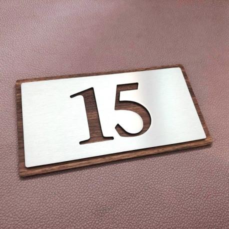 Plaque numéro inox - 153x82 - Fond bois noyer - Numéro au choix