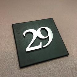 Plaque cuir 100x100 / 150x150 - Avec numéro assemblé ep4mm