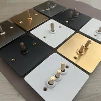 Nouveau produit! Nous vous proposons désormais ces interrupteurs de qualité en inox, laiton, noir ou blanc! . #interrupteur #interrupteurinox #interrupteurlaiton #design #hotel #luxe #architectes #maisons #maisonsmodernes